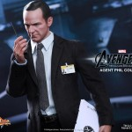 Hot Toys Agent Phil Coulson 5