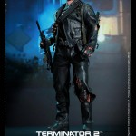 Hot Toys T800 (Battle Damageed) DX13 1