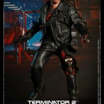 Hot Toys T800 (Battle Damageed) DX13 18