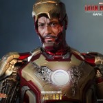 Hot Toys Iron Man Mark XLII 1