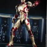 Hot Toys Iron Man Mark XLII 12