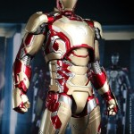 Hot Toys Iron Man Mark XLII 15