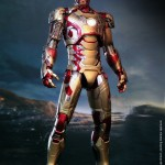 Hot Toys Iron Man Mark XLII 2