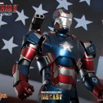 Iron Man 3- 1:6th scale Iron Patriot